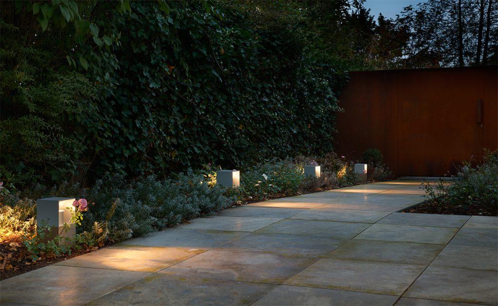 Stilvolle Gartenweg-Beleuchtung
