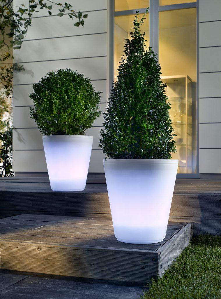 Blumentopf mit LED-Beleuchtung
